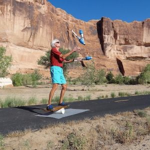 learn to balance on a bongo board video